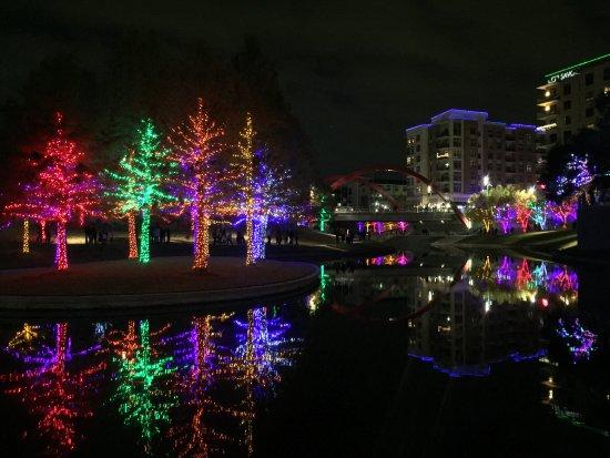 Vitruvian Park: reflection of lights on the lake