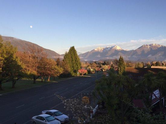 Distinction Luxmore Hotel Lake Te Anau: Beautiful views from our room