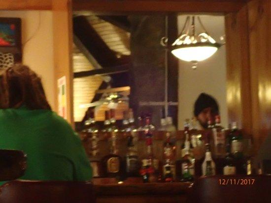 Dover, VT: Great bartender Steve! behind the bar