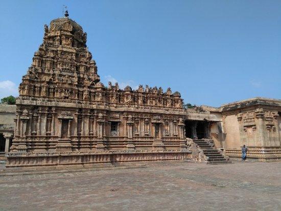 Brihadeeshwara Temple: IMG_20171218_141050_large.jpg
