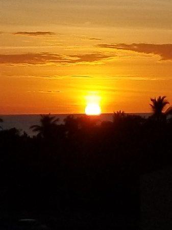 La Quinta Beach Resort: 20171211_181413_large.jpg