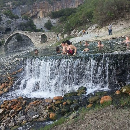 Rezultate imazhesh për Hot Springs of Lengarica, Albania