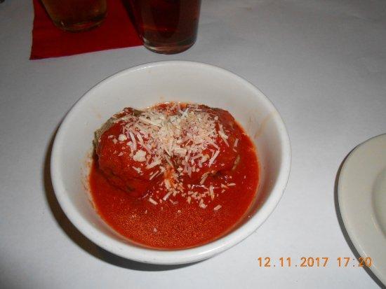 Maria's Pizzeria & Restaurant: meatballs