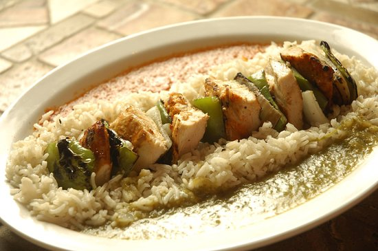 Sunny Isles Beach, فلوريدا: Chicken breast skewer with 2 sauces on side