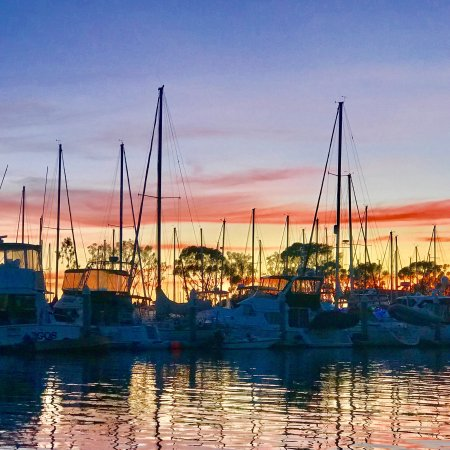 Дана-Пойнт, Калифорния: DANA POINT HARBOR, CA, Another 😍Amazing Dec 2017🌅!