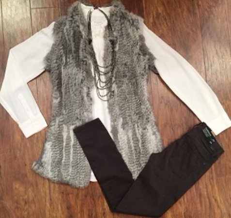 Wayne, PA: Love this beautiful outfit from Ellie Boutique!