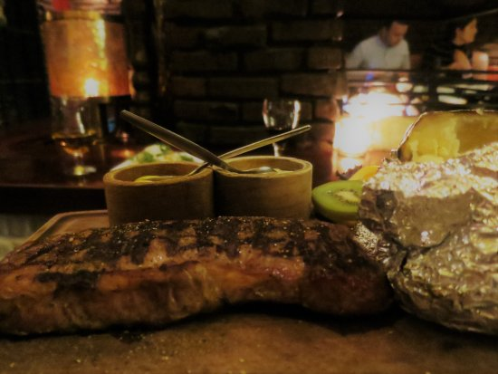 Barbeque Castell: Steak and sauces