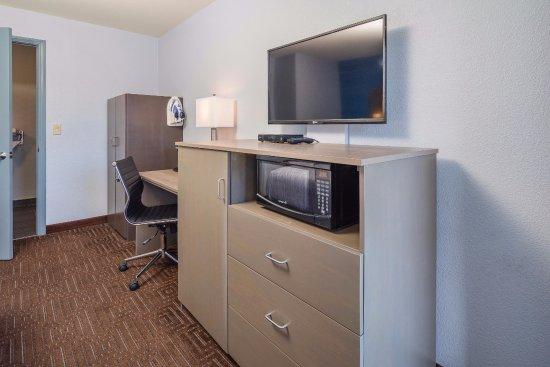Belmont, CA: In-Room Amenities