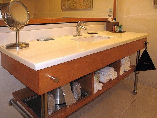 Hilton San Francisco Airport Bayfront Sfo Room 1502 Under Vanity