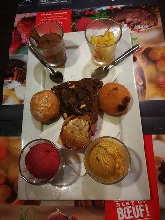 Villejust, Γαλλία: Palette de desserts