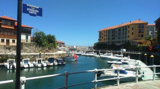 El puerto sidrer a llanes fotos n mero de tel fono y for Oficina turismo llanes