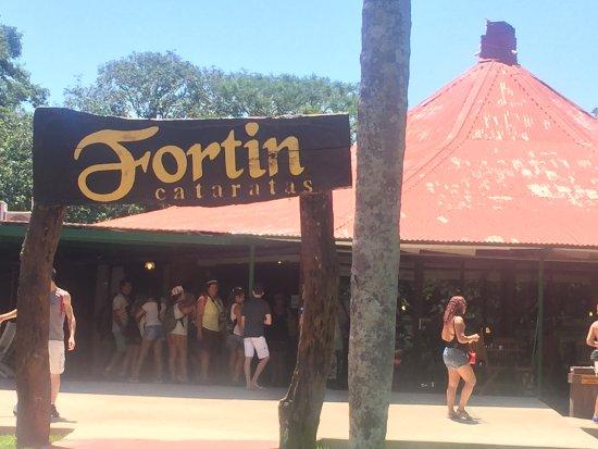 Fortín Cataratas: Vista externa do restaurante Fortin, Puerto Iguazu-AR.