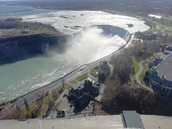 Hilton Niagara Falls/Fallsview Hotel & Suites: Hoefijzer falls