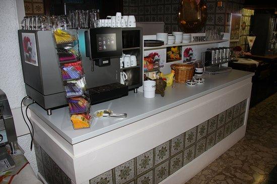 Hotel dala: Top-Kaffeemaschine von Franke; Kaffee von Inflagranti - ein guter Tagesstart...
