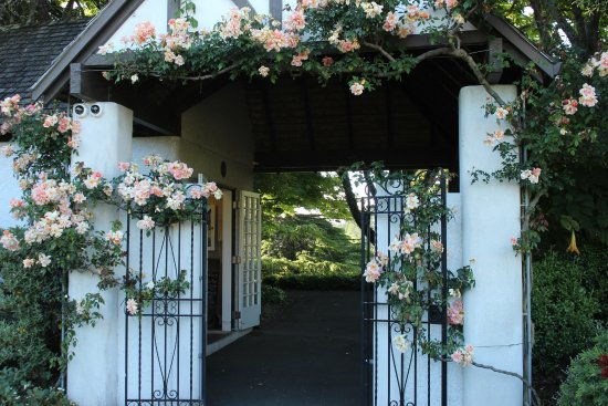 New Plymouth, New Zealand: Garden entry