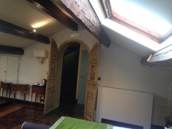 HOTEL OLIMPIA Venice: A suite é muito espaçosa