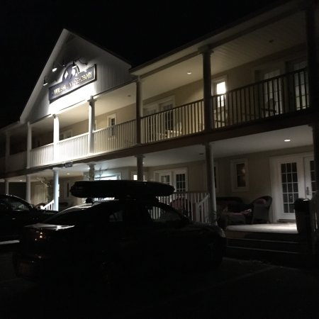 Canalside Inn: photo1.jpg