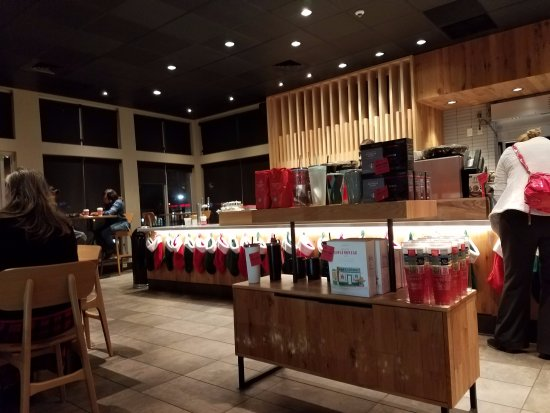 Bartlett, TN: after the remodel and decked out for the holidays