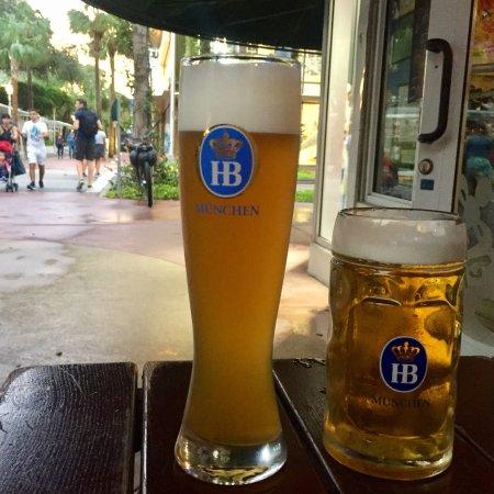 Hofbrau Beerhall: photo0.jpg