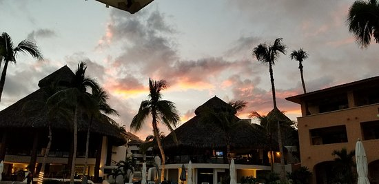 Reflect Krystal Grand Los Cabos Hotel: 20171214_174052_large.jpg