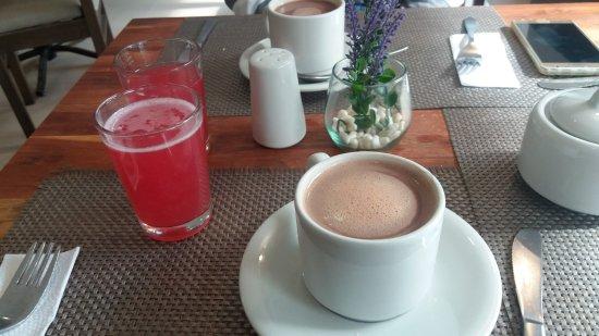 هوتل سان فرانسيسكو: Café da manhã oferecido pelo hotel