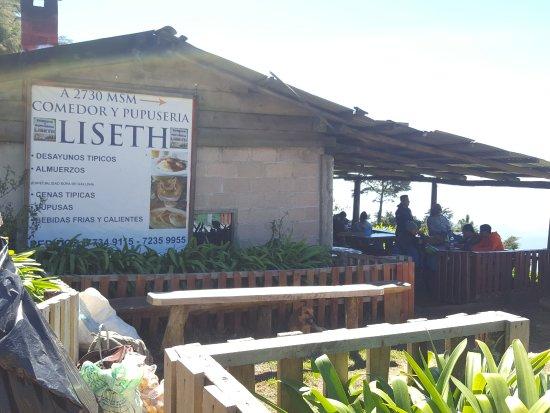 Chalatenango Department, El Salvador: Restaurante en la zona de acampar, incluye un mirador con una vista preciosa!