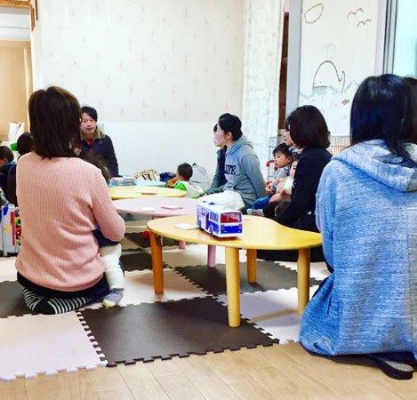 Peace Jam: 定期的に無料で親子向けのワークショップや座談会も実施しています