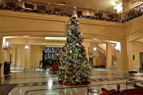 Fort Garry Hotel: Main lobby