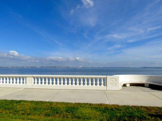 Bayshore Boulevard: View