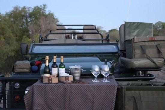 Singita Private Game Reserve, Sudáfrica: Sundowners in the Bush
