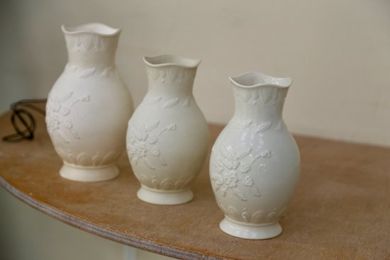 Belleek, UK: The process from start to finish of a piece showing the glaze and shrinking.