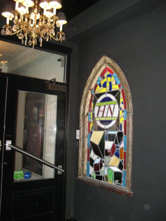 Henry Norman Hotel: Stained Glass Window At Front Door