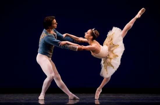 St. Petersburg: Swan Lake Ballet at