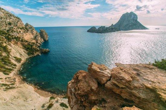 Sejler de sydlige strande i Ibiza