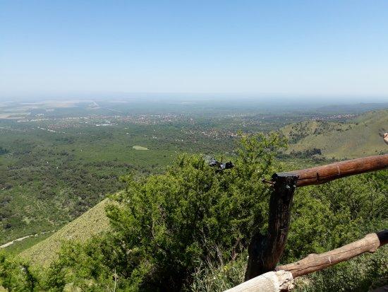 Mirador del Sol: Hermosa vista del valle desde 1470 m