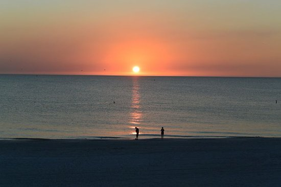 Sunset from balcony unit 204 photo de sandy shores for Chambre condos madeira beach florida