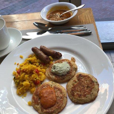 Taj Cape Town: Café da manhã indiano, bem apimentado!