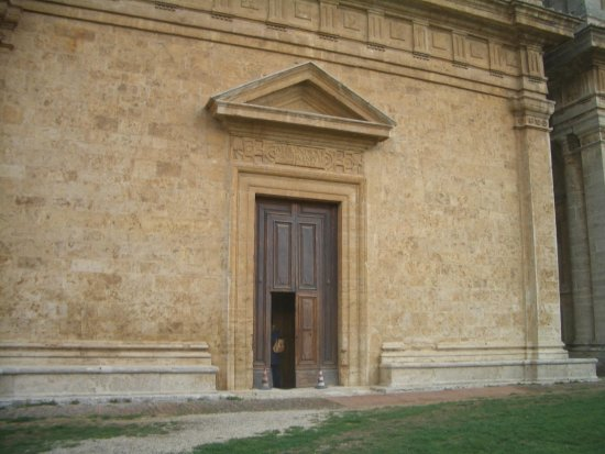 Tempio di San Biagio: ingresso chiesa