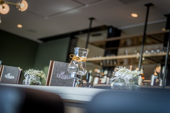 Falera, Suiza: Bar