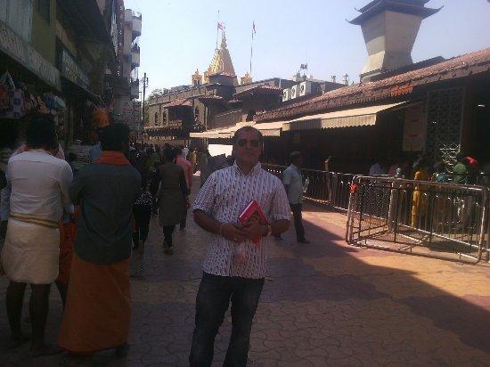 dwarakamayee shiridi picture of sri shirdi saibaba temple shirdi