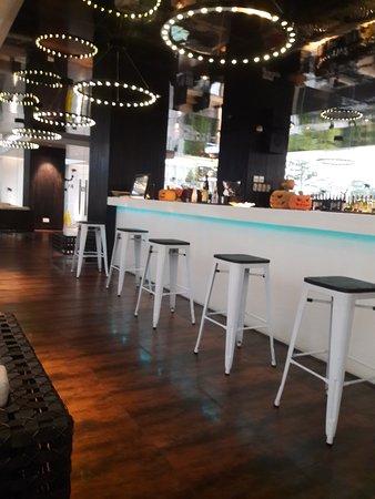 FM7 Resort Hotel Jakarta: roof top bar