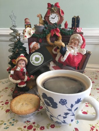 Bootle, UK: Free Mince Pies with all hot drinks