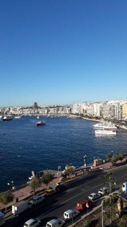 Sliema Marina Hotel: View from balcony room 605. Fabulous