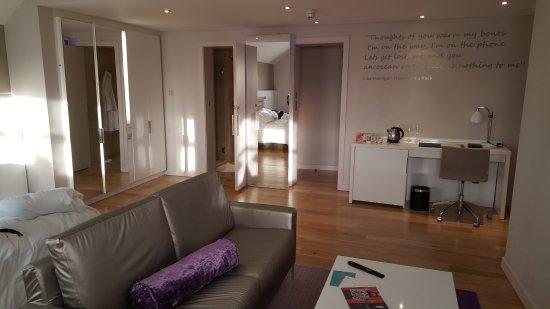 The Morrison, a DoubleTree by Hilton Hotel: Junior suite
