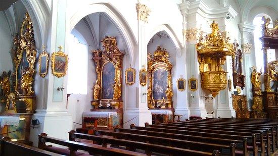 Vilshofen, ألمانيا: Left side - St John the Baptist church