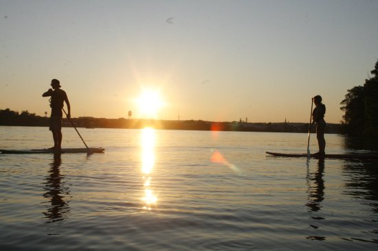 Rice Lake, WI: Complimentary paddle boards, kayaks, canoes, paddle boats available for guests