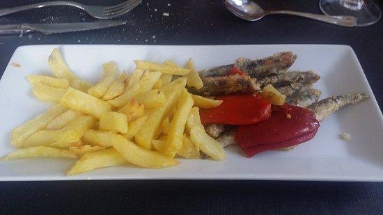 Etxalar, Spain: anchoas de fuenterrabía