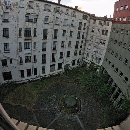 Hotel Ercilla Lopez de Haro: Vistas desde la ventana habitación 511