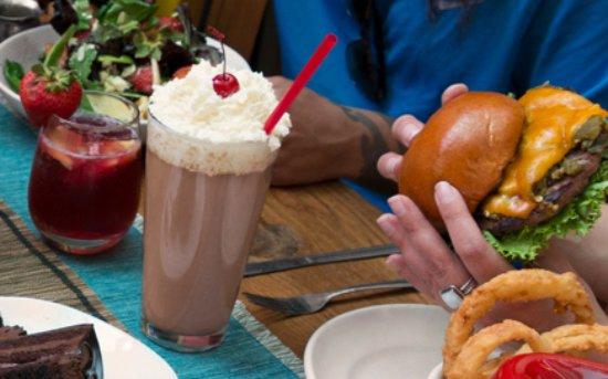 Κοράλες, Νέο Μεξικό: Burgers, Salads, Milkshakes, & More