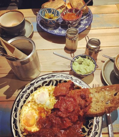 H Street Deli: Rancheros eggs